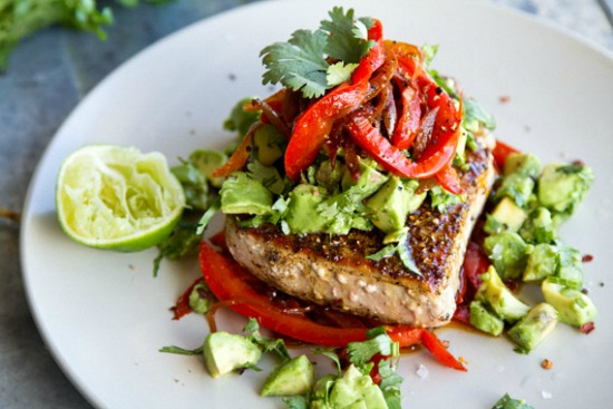 cá ngừ trộn salad